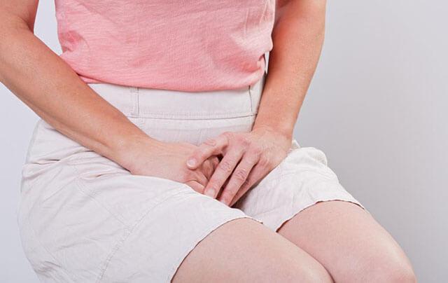 Ra máu, am dịch thay đổi là dấu hiệu có thai sớm nhất